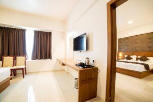 Heritage Inn Room8